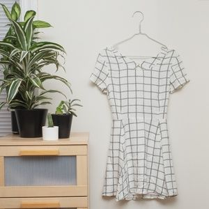 MYNE Minimalistic Line Dress